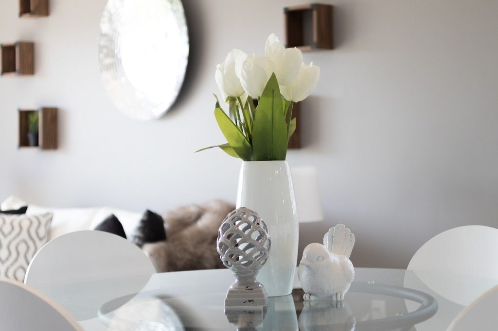 staging, real estate, tulips